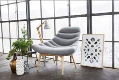 It doesn't get much more ‪#‎stylish‬ and ‪#‎scandi‬ than our famous ELTON - just unpacked and ready to grace your living room http://za.sofacompany.com/…/ar…/elton-chair-andie-light-grey ‪#‎sexysofas‬ ‪#‎scandicandy‬