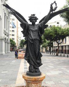 Photography Guayaquil Ecuador #Photography #Travel #Guayaquil #nosGustaViajar #GuayaquiEsMiDestino #EcuadorAmazing #Trendy #followGuayaquil #followEcuador #TravelEcuador #BestPlace #Ecuadorcuatromundos #AllYouNeedIsEcuador #instaecuador...