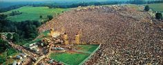 History In Pictures @HistoryInPix    People gathering for Woodstock, 1969.