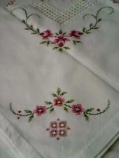 Romans z szydełkiem: Serwetka z haftem krzyżykowym