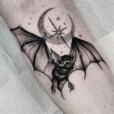 Search inspiration for a Blackwork tattoo. Nape Tattoo, Leg Tattoos, Black Tattoos, Body Art Tattoos, Small Tattoos, Sleeve Tattoos, Tattoo Art, Tatoos, Moth Tattoo Design