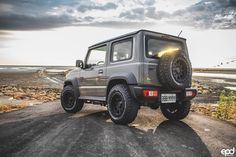 """""""After seeing the Suzuki Jimny with side exit pipe setup, it's all I want to buy and install now. My Dream Car, Dream Cars, Offroad, Jimny Sierra, Jimny Suzuki, Suv 4x4, Classic Trucks, Land Rover Defender, Pickup Trucks"""