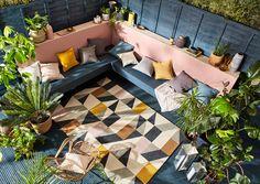 Patio Design, House Design, Moroccan Garden, Indoor Outdoor Rugs, Outdoor Decor, Orange Color Palettes, Built In Seating, Outdoor Garden Furniture, Colorful Garden