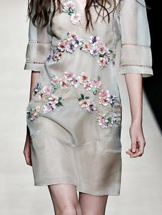 Alberta Ferretti - sheer dress with floral details Fashion Art, Runway Fashion, High Fashion, Fashion Show, Womens Fashion, Fashion Design, Ellie Saab, Lesage, Elegant Outfit