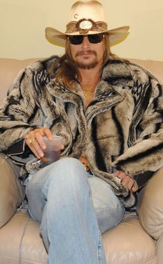 OH BABY!!! KID ROCK AND FUR. TWO OF MY FAVORITE THINGS