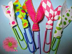 Day 11 - Paperclip bookmarks - a simple, fun craft for all ages.