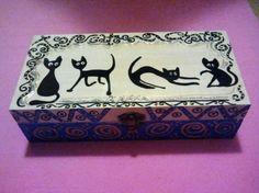 caja gatitos pintada a mano  madera pintado a mano