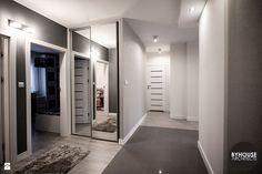 Hol - zdjęcie od BYHOUSE ARCHITECTS - Hol / Przedpokój - Styl Nowoczesny - BYHOUSE ARCHITECTS Fall Looks, Home Living Room, Minimalism, Art Deco, Modern, Closet, House, Design, Home Decor