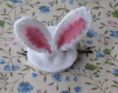 Bunny bobby pin