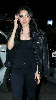 Indian Bollywood Actress, Bollywood Girls, Beautiful Bollywood Actress, Bollywood Celebrities, Indian Actresses, Beautiful Girl Indian, Beautiful Indian Actress, Beautiful Actresses, Gorgeous Women