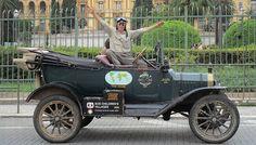 Casal dá volta ao mundo em Fordinho 1915 | Universo Retro