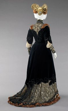 Ensemble, Afternoon  Raudnitz and Co. - Huet and Chéruit (French)  Designer: Madame Virot Date: 1898–1900 Culture: French Medium: silk, fur