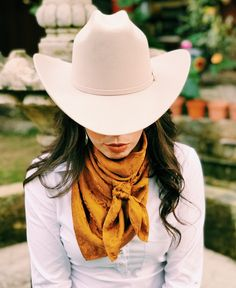 PonyShop on Etsy Cowgirl Outfits For Women, Cowgirl Style Outfits, Country Style Outfits, Rodeo Outfits, Western Wear For Women, Outfits With Hats, Western Outfits, Cute Outfits, Western Dresses