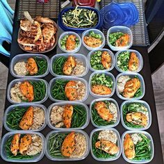 """Meal Prep Goals anybody??? Happy New Years Eve!! Here's to an epic year of meal prepping and gains ... Inspired by this bomb.com #mealprep from mr. @fellgyflex Props for your work ethic! -"""" Ever since I started meal prepping about 6 months ago the results have been significant! Having everything made and set for each day ensures that I don't miss a meal and I get all the right nutrients. It also gives you a lot more time during the week which means longer and harder workouts at the gym! -""""…"""