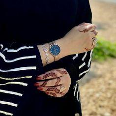 Dpz for girls Modern Henna Designs, Mehndi Designs Feet, Arabic Henna Designs, Stylish Mehndi Designs, Bridal Mehndi Designs, Henna Tattoo Designs, Arabian Mehndi Design, Mehendhi Designs, Mehndi Images