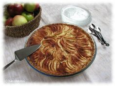 Créme vanille pie by Kinuskikissa (Recipe in Finnish). Sooooo deliciously looking...