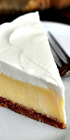 This luscious lemon cream pie is magnificent and glorious and refreshing and creamy and perfect.and, well, you should just make it! 13 Desserts, Delicious Desserts, Plated Desserts, Easy Lemon Desserts, Lemon Dessert Recipes, Delicious Cookies, Homemade Desserts, Health Desserts, Baking Recipes