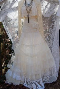 Lace Wedding Dress boho ivory cream vintage by vintageopulence