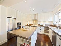Country island kitchen design using floorboards - Kitchen Photo 466223