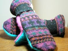 These warm, cozy mittens are made from recycled sweaters.  Cashmere and Wool Mittens made from recycled sweaters and lined with anti-pill fleece.   Mittens are all prewashed and machine washable.  Warm and Toasty!!!     10% of proceeds donated to Breast Cancer charity.    Many different colors and styles to choose from.  Please contact me for a particular color or if you have additional questions.
