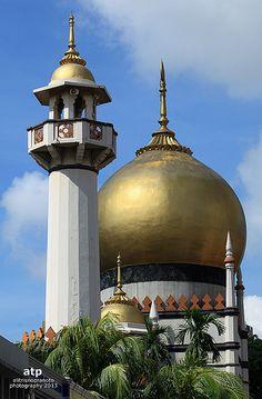 sultan mosque (masjid sultan), singapore   islamic architecture