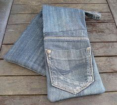 The Alchymyst's Study: upcycling; denim oven mitts