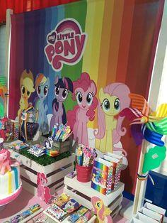 My Little Pony Birthday Party Ideas Cumple My Little Pony, My Little Pony Baby, Little Pony Cake, My Little Pony Twilight, Birthday Party At Park, My Little Pony Birthday Party, 6th Birthday Parties, 4th Birthday, Rainbow Dash Party