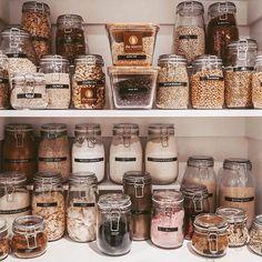 35 Best Kitchen Pantry Organization Ideas For You – Page 3 Kitchen Organization Pantry, Kitchen Pantry, Organization Hacks, Pantry Inspiration, Cool Kitchens, Mason Jars, Diy Crafts, Instagram, Zero Waste