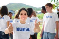 10 Good Places to Volunteer – Opportunities & Organizations Places To Volunteer, Volunteer Work, Volunteer Management, Teen Volunteer, Volunteer Ideas, Volunteer Gifts, Volunteer Appreciation, Bible Commentary, Ordinary Lives