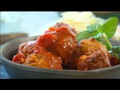 Fast Ed's lasagne meatballs  Lasagne is a family favourite, but it can also be a lot of work. This week Ed shares his short-cut for a real winner with a mix of lasagne and another favourite – meatballs!    Read post here : https://www.fattaroligt.se/fast-eds-lasagne-meatballs/   Visit www.fattaroligt.se for more.