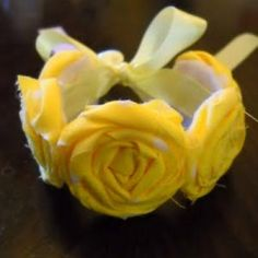 Google Image Result for http://www.tipjunkie.com/wp-content/homemade-thumbs/rosette-bracelet-tutorial-gifts-for-girls.JPG