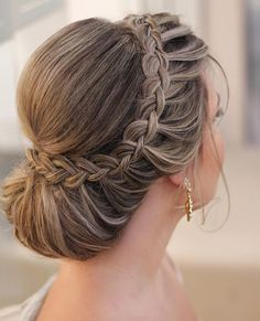 Glamur ✨✨ ❤️ -What Glamur ✨✨ ❤️ - Peinados Top 25 Long Wedding Hairstyles for Bride from – My Stylish Zoo 30 cute and easy braid tutorials that are perfect for any occasion page 46 Trending Hairstyles, Loose Hairstyles, Bride Hairstyles, Wedding Hairstyle, Curly Hair Updo, Curly Hair Styles, Sleek Ponytail, Wedding Hair Inspiration, Bridesmaid Hair