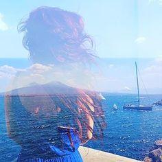 The girl and the blue horizon von Capri 🗺⛵️