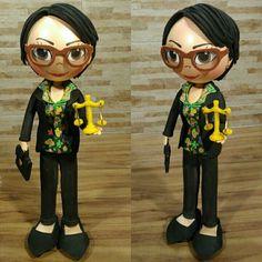 Boneca Personalizada em EVA Advogada