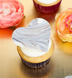How to Marble Chocolate Candy Melts to create Heart Cupcake Toppers