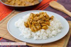 Pollo al curry con arroz y leche de coco. Receta facil y rica Arroz Al Curry, Salsa Curry, Comida India, Tasty, Yummy Food, Yummy Recipes, Cooking Time, Chicken Recipes, Recipies