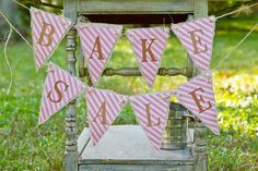vintage bake sale styling shoot banner back to school theme party ideas Bake Sale Sign, For Sale Sign, Free Baby Shower Games, Baby Shower Themes, Bake Sale Displays, Cake Stall, Pink Lemonade Party, Vintage Baking, Bazaar Ideas