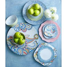 Guide to Choosing Dinnerware | Gracious Style Blog