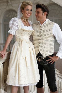 Would you like to get married in traditional Bavarian style with elegant Dirndl and Leatherpants? White Fashion, Love Fashion, German Wedding, German Outfit, Nice Dresses, Flower Girl Dresses, Alternative Wedding Dresses, Traditional Dresses, Culture
