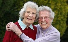 Old Lady Best Friends | ... who met at end of First World War still best of friends - Telegraph