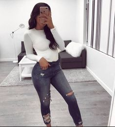 52 Lovely High Wasted Jeans For College - Global Outfit Experts Girl Fashion, Fashion Looks, Fashion Outfits, Fashion 2018, Fashion Trends, Fall Winter Outfits, Summer Outfits, Only Shorts, High Wasted Jeans
