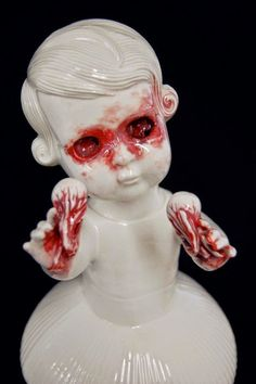 Maria Rubinke's Macabre Porcelain Figures Will Haunt Your Dreams « Art-Sheep Surrealism Sculpture, Sculpture Art, Sculpture Ideas, Banksy, Macabre Art, Creepy Dolls, Little Doll, Dark Art, Love Art