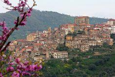 South Italy Mountain Village, Pisciotta  |  photo by joannajulia