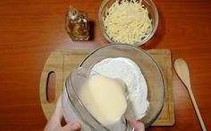 Turtițe cu cașcaval la tigaie – se prepară ușor și se mănâncă repede! - Retete Usoare Glass Of Milk, Dairy, Pudding, Cheese, Desserts, Food, Tailgate Desserts, Deserts, Custard Pudding
