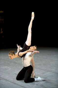 """Tiit Helimets and Muriel Maffre in Balanchine's """"Agon"""". (© Erik Tomasson) 2007 San Francisco Ballet Tiit Helimets and Molly Smolen Diary"""