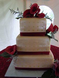 champagne wedding cake #champagnewedding #champagne #weddingcake