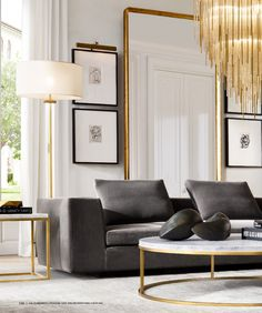 Classic Home Decor Themes That Are Always In Style New Furniture, Living Room Furniture, Living Room Decor, Cheap Bedroom Decor, Cheap Home Decor, Elegant Home Decor, Elegant Homes, Decor Interior Design, Interior Decorating