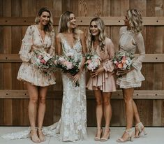 Sheath garden wedding dress is made of tulle and adorned with beautiful appliques. wedding dress Long Sheath Wedding dresses Lace V-neck Bridal Gowns Wedding Dress Winter, Garden Wedding Dresses, Bridal Dresses, Wedding Gowns, Wedding Bells, Mismatched Bridesmaid Dresses, Wedding Bridesmaids, Boho Bridesmaid Hair, Patterned Bridesmaid Dresses