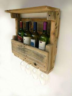 Aufgearbeiteten Holz Weinregal - montiert Weinregal Palette Weinregal Regal Weinregal Wand Weinregal Weinregal Wandhalterung Dekor Wein-box ------------------------------------------------------------------------------------------- Abmessungen: Ca. ~ 18 x 18X5 Hinweis: Da diese aus altem Holz gefertigt sind, werden immer einige leichte Unterschiede in Größe und aussehen. Weinflaschen und Glas nicht im Lieferumfang enthalten :) Nachricht für Rabatte auf Kombiversand. Shop für verschiedene...