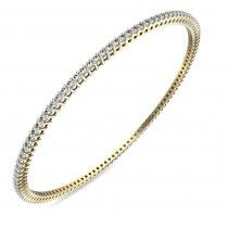 This latest designer bangle has a classy and spellbounding design that has a unique appeal.   #giftadiamond #budgetdiamondjewellery